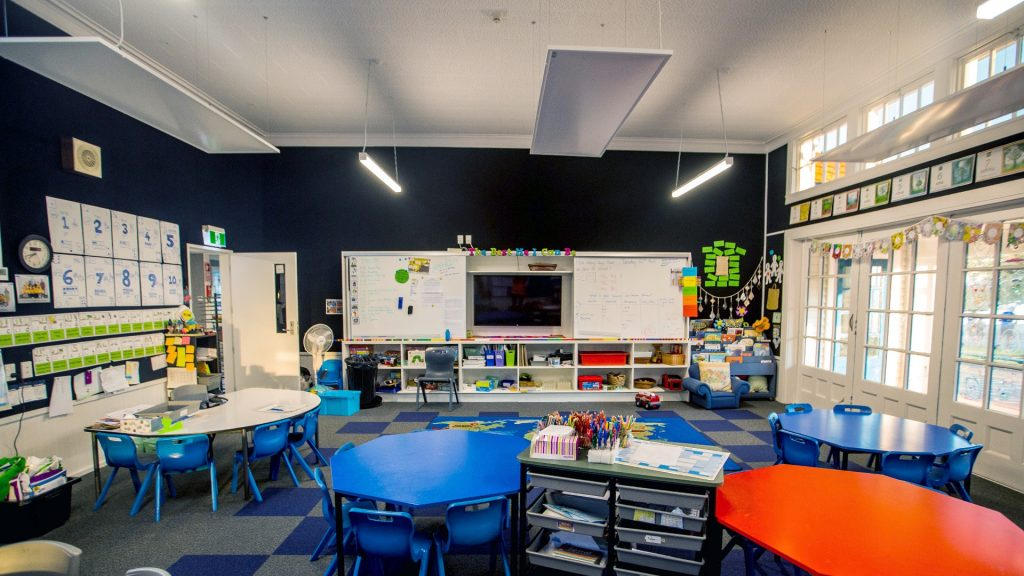 H SerieH Series panels suspended in newly refurbished learning space at Parnell District Schools panels suspended in newly refurbished learing space at Parnell District School